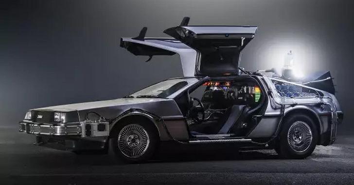 「路?我們要去的地方不需要馬路」回到未來的時光車DeLorean 真的開始設計飛行汽車了