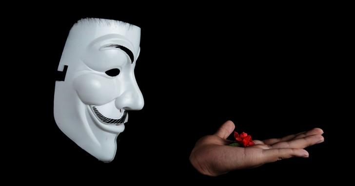 流行歌曲化身「聲納間諜」,監聽用戶的一舉一動