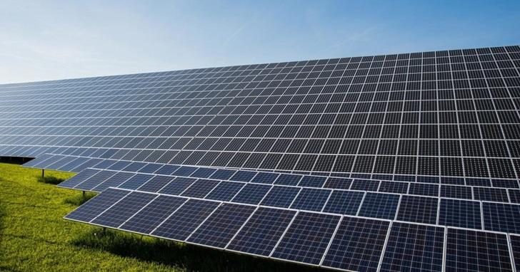 專家估計,2017 年太陽能全球總裝置容量將超越核能