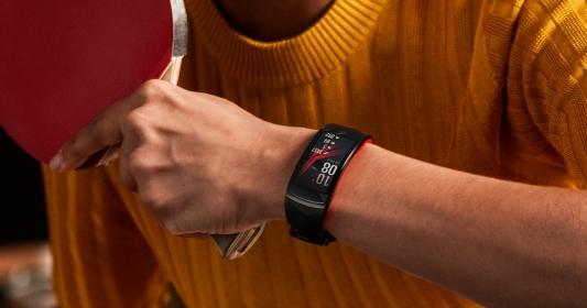 加入 Speedo 游泳訓練功能!三星發表 Gear Sport 手錶、Gear Fit 2 Pro 手環、Gear IconX 耳機全新穿戴裝置