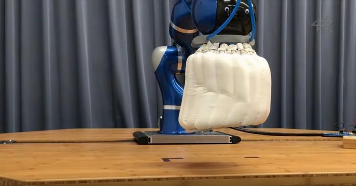 防止意外傷人,機器人也要裝安全氣囊了