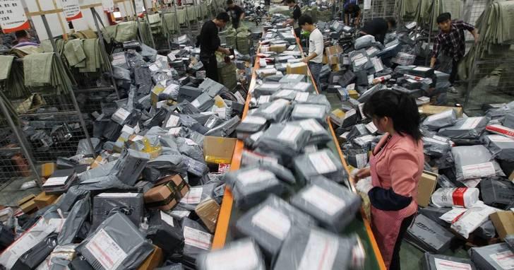 雙十一快來了,中國「三通一達」系快遞公司都在忙著漲價,你還能快樂的買買買嗎?
