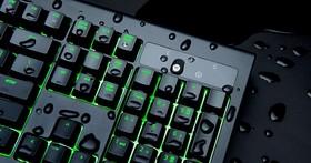 可以放心在鍵盤上喝咖啡了?Razer 推出防水防塵的 BlackWidow Ultimate 黑寡婦機械式鍵盤