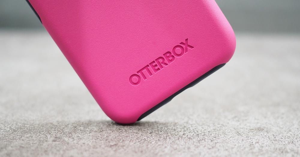 專為 iPhone 設計,Otterbox 超強大防摔保護殼開箱