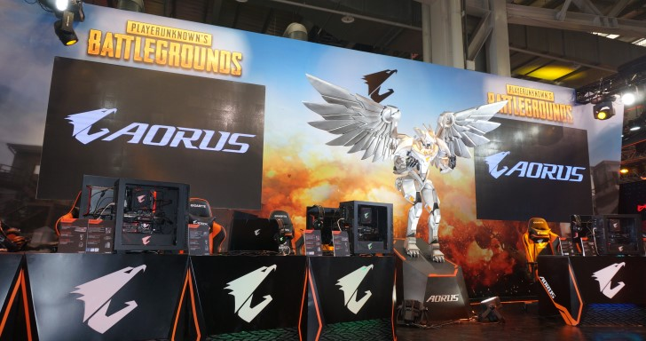 亞洲最大電競嘉年華 WirForce 2017 開跑,快來 AORUS 電競樂園體驗 VR 模擬飛行