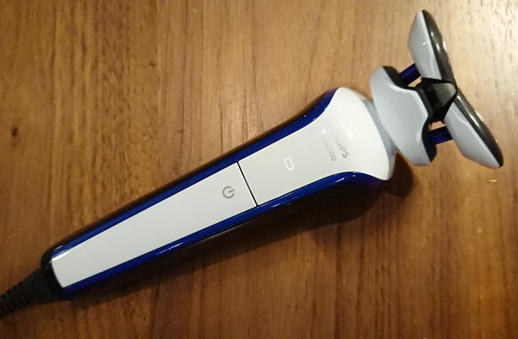 超乎想像的服貼 徹底清除每個男人的鬍渣! - Philips S566電動刮鬍刀開箱拉~
