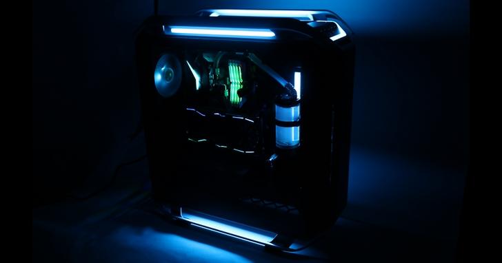 Cooler Master 超專業玩家級 COSMOS C700P 機殼,狂塞11顆硬碟
