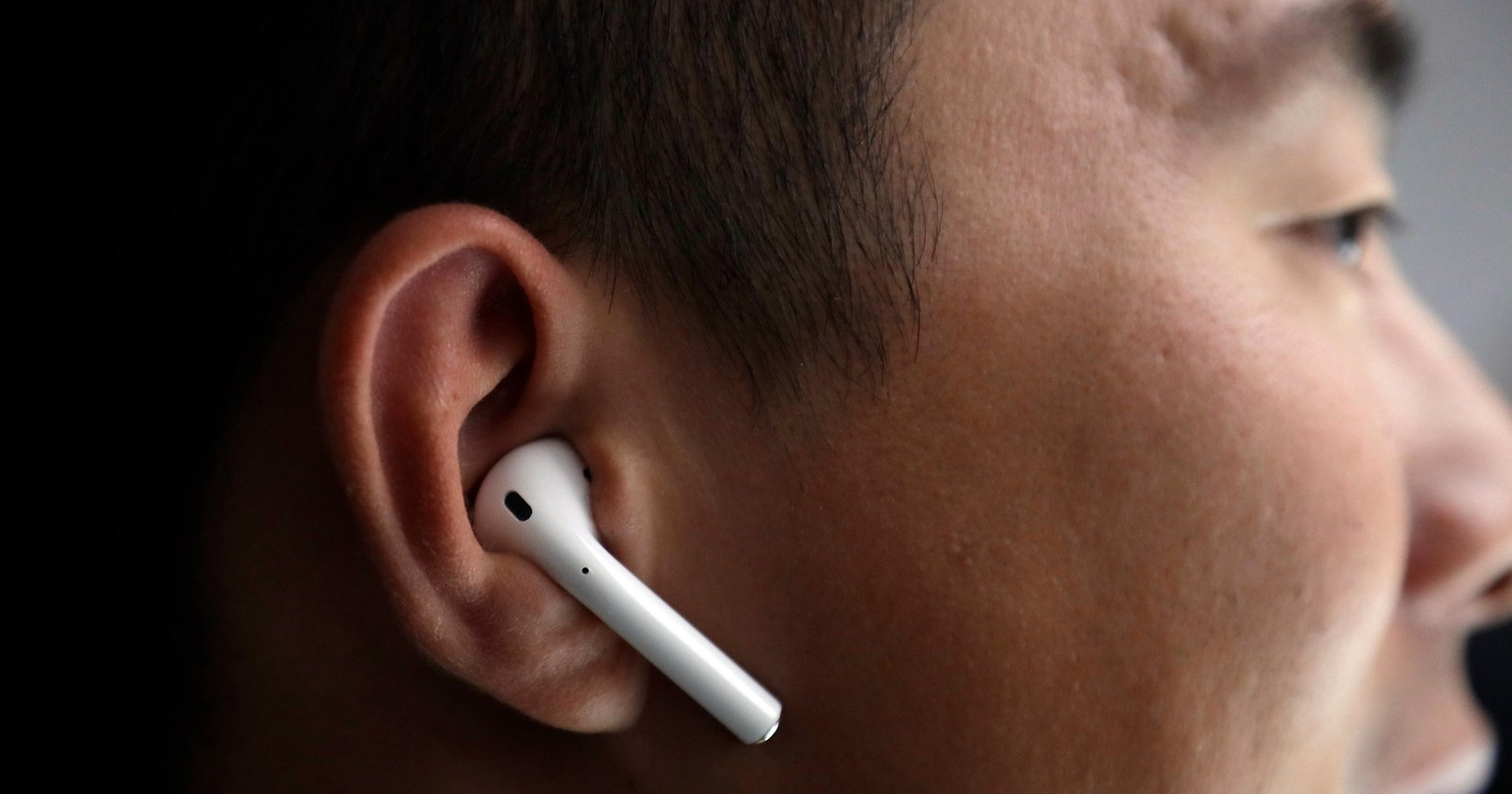 超低成本 DIY!不到台幣十塊錢,讓 AirPods 及各種真無線耳機再也不用擔心會掉落