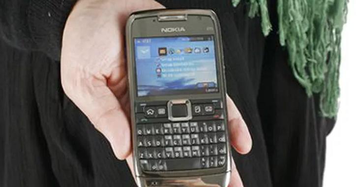Nokia 繼復刻版 3310之後,打算把另外一款神機 E71 也召喚回來