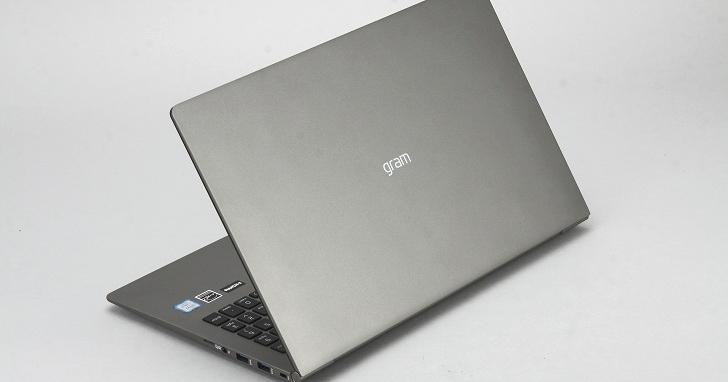 LG gram Z980 評測:15.6 吋螢幕、1,095 公克重,實測 12.5 小時的超長續航力