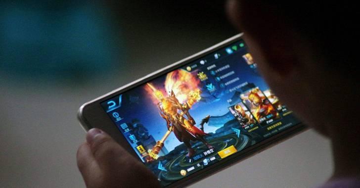 遊戲手機就是男生的美圖
