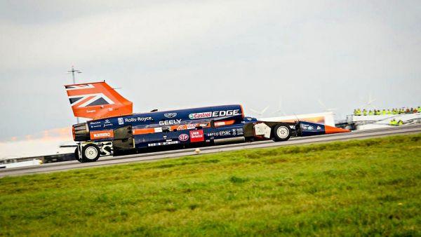 突破音速只是基本,Bloodhound SSC 以「1,609km/h」挑戰地表世界最速紀錄!