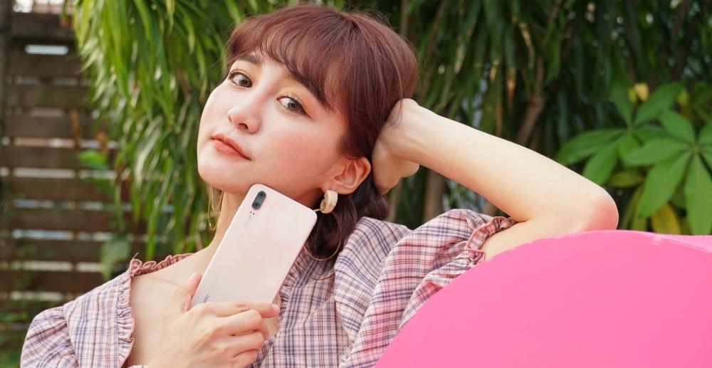 華為推出三款粉色手機 P20 櫻粉金、nova 3 櫻語粉、Y7 Prime 粉色