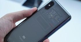小米 8 透明探索版,首款 Android Face ID 手機,支援螢幕下指紋辨識