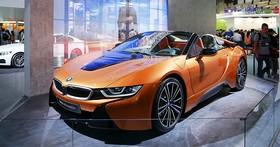 BMW i8 Roadster油電跑車現身Computex世貿三館,售價台幣1,068萬元的神車 多圖動眼看!