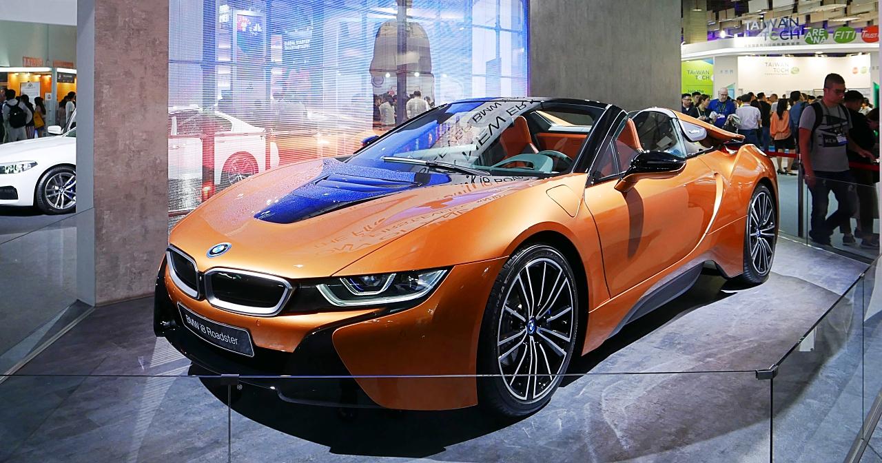 BMW i8 Roadster油電跑車現身Computex世貿三館,售價台幣1,068萬元的神車 多圖動眼看! | T客邦