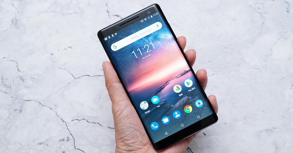 早一年上市會更吸睛的 Nokia 8 sirocco 簡單動手玩