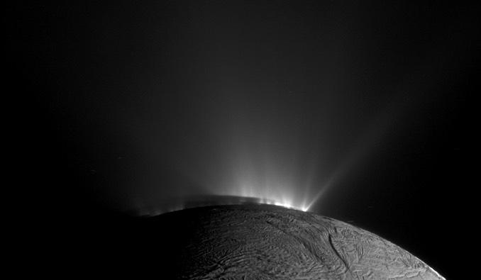 卡西尼號偵測土衛二上的冰噴泉 含有地下海洋的複雜有機物
