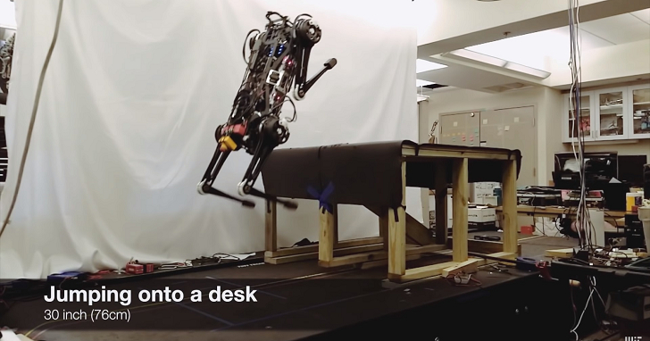 麻省理工學院的 Cheetah 3 機器人可以爬上樓梯,而且不仰賴任何影像辨識技術
