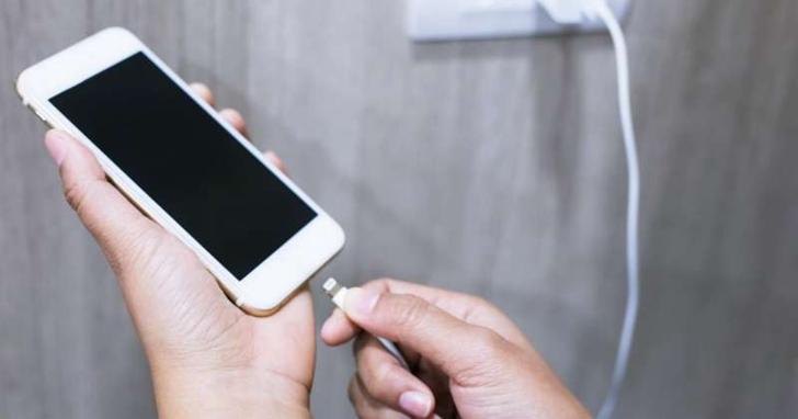1秒內瞬間充飽手機,超級量子電池將問世