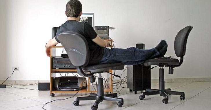 好市多辦公椅坐兩年「脫皮」 顧客實證:品質差就該退貨