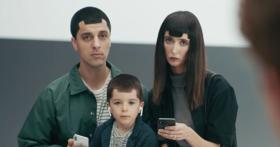 你才瀏海,你全家都瀏海!Samsung 新廣告嘲諷 iPhone X 瀏海設計