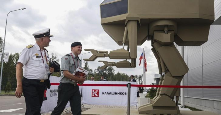 AK47的製造商發佈了戰鬥民族版機器人,外觀如機器戰警中的反派