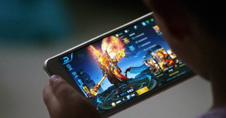 中國手遊「王者榮耀」實施遊戲史上最嚴格身份審查:直接與公安系統串接,未成年玩家時間一到就bye bye