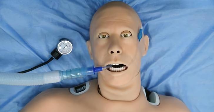 俄羅斯研製「患者機器人」,會流血、排尿還會尖叫!