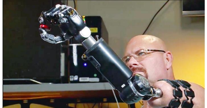 研發出隱形飛機、無人機、語音辨識和網際網路的DARPA,是怎麼樣一步步把人類打造成電子生化人?
