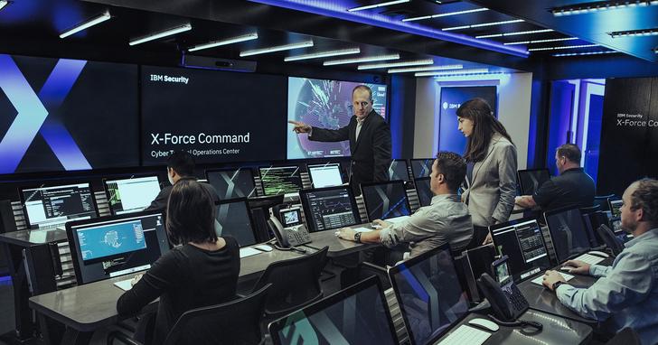 把安全總部設在卡車裡!IBM 推出業界首款行動式網路安全作業中心、根本就是電影FBI的特勤戰術中心