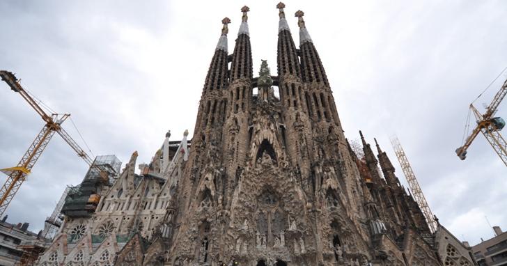 巴塞隆那地標聖家堂「違章建築」136年後,終於獲得建築許可證