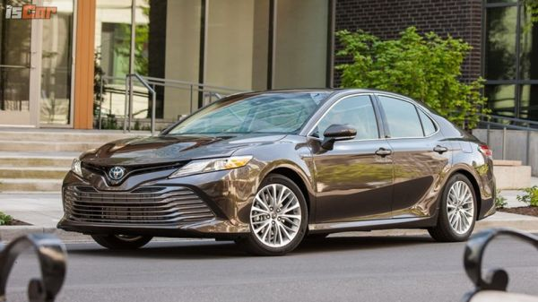 大改款Toyota Camry配備先報你知!兩種動力選擇、三種配備編成,安全大滿配!