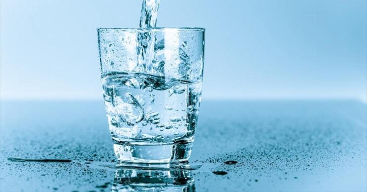 喝弱鹼水的朋友醒醒吧,「酸鹼體質理論」創始人已被罰了 1 億多美元   T客邦