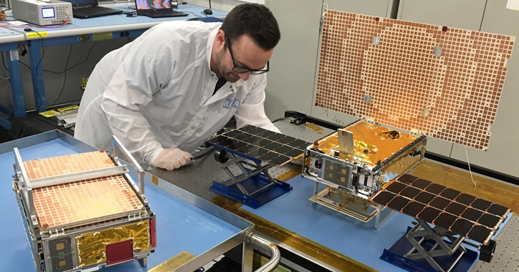 隨著洞察號一起前往火星公事包大小的迷你太空船也試驗成功!