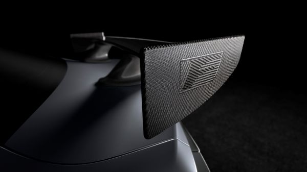 是否也要「Competition」一下?Lexus先發一張RC F Track Edition碳纖維尾翼,底特律車展即將亮相!