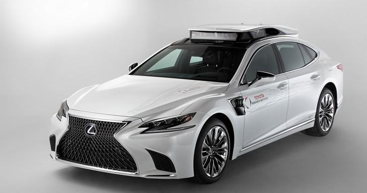 Toyota秀全新自動駕駛平台,後車廂設計成意外亮點