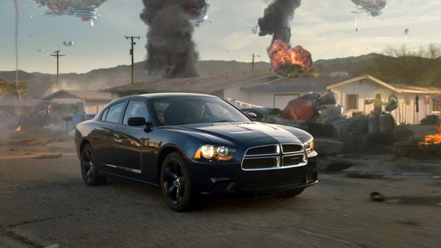 地球異世界(Defiance)的外星人也打不爛 Dodge Charger這耐操的美國大車![廣告影片]