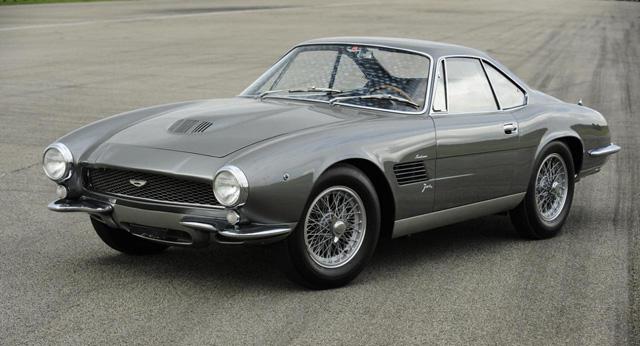 美女可不便宜,要價一億四千萬的 Aston Martin老爺跑車!可以買90輛雙B入門車了!