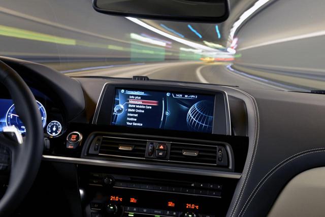 BMW發佈新世代 ConnectedDrive聯網駕馭系統,車內上網不再慢又卡!