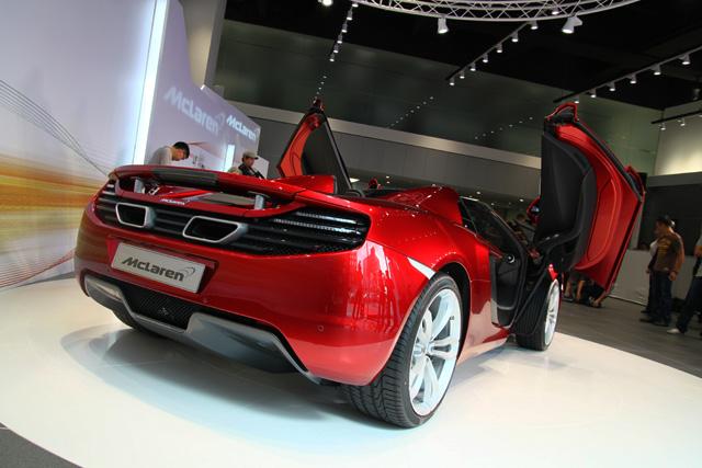 McLaren 12C Spider首度在台亮相,就是要開敞篷車才能感受人車一體的境界!