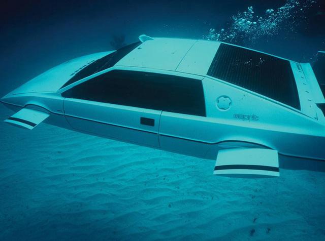 年度最熱商品 : 電影 007中的蓮花潛艇跑車將於9月拍賣 你也有機會座擁把妹神車!