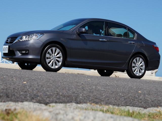 2013 Honda Accord 2.4 VTi-S Exclusive試駕!高科技、輕量化、操控強、加上美規的全方位安全都在這裡!