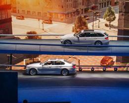 2013法蘭克福車展 BMW展區搶先看!連室內跑道都有,真是大到誇張!