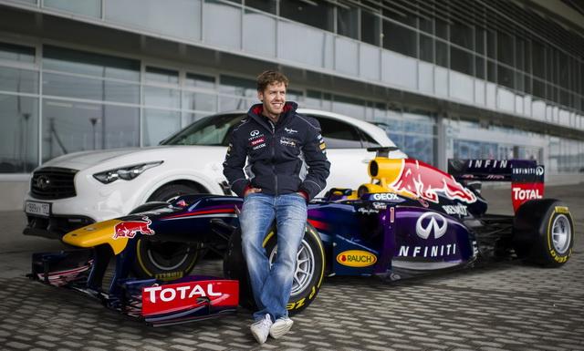 INFINITI「F1 魅‧力‧無限」全台巡演正式展開:FX37擁有F1跑車靈魂 台中大遠百首場演出
