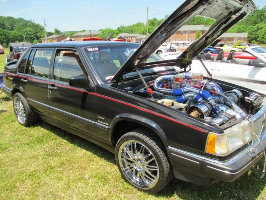 21年的老爺 Volvo 960轎車裝了4顆 Turbo,馬力是 Bugatti Veyron的2倍!