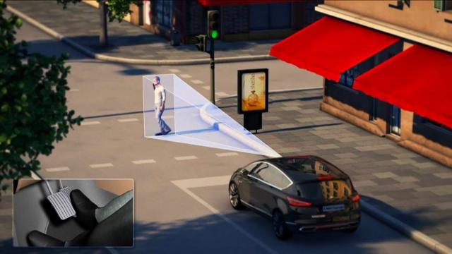 Ford障礙物閃避系統能主動偵測並在危急時自動閃避,救您一命!