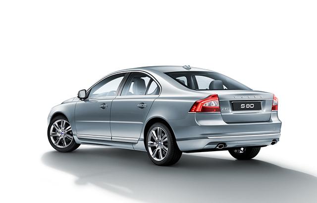 國際富豪汽車推出『VOLVO S80買單專案』,入主獨享同級最低頭期款及15萬元分期購車回饋