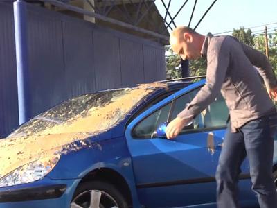 法國整人專家 Remi Gaillard再發功!用巨型鳥屎攻擊剛洗完車的人!一系列爆笑演出,包你噴飯!