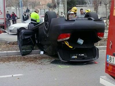 【熱門話題】V10動力 BMW M5撞到翻車,剛好讓大家來研究一下底盤